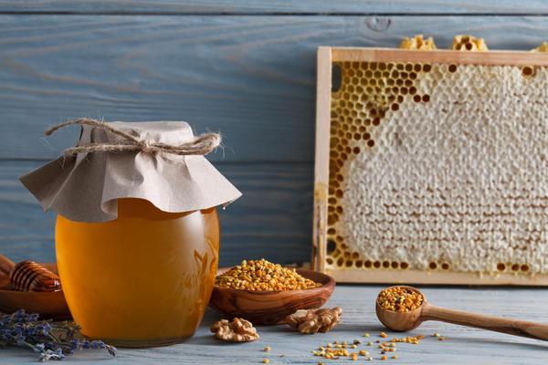 Мед и другие продукты пчеловодства
