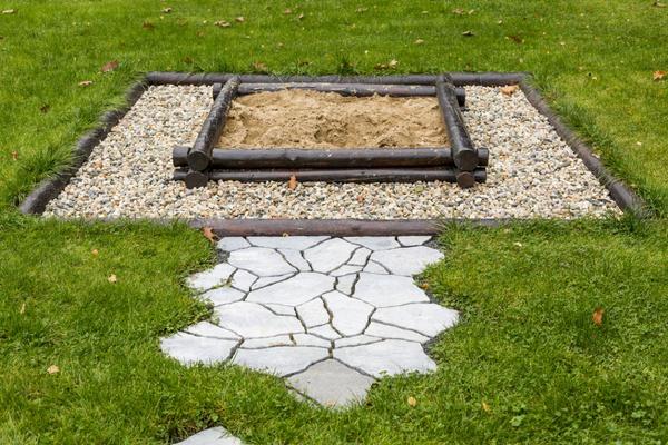 Комбинированная песочница — красиво и практично