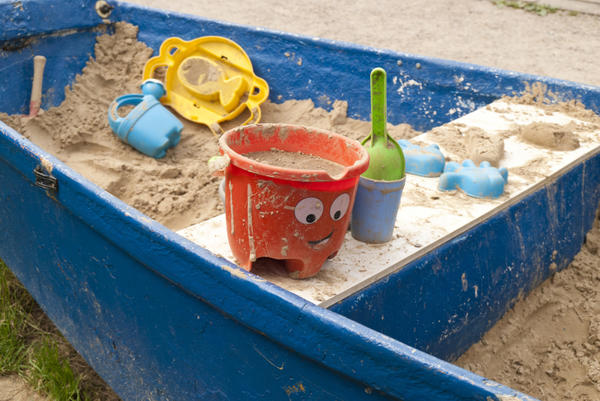 Песочница-лодка для будущих мореплавателей