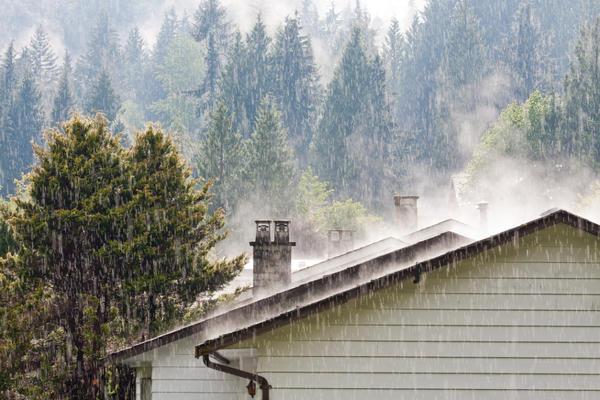 На крышу приходится основная погодная нагрузка
