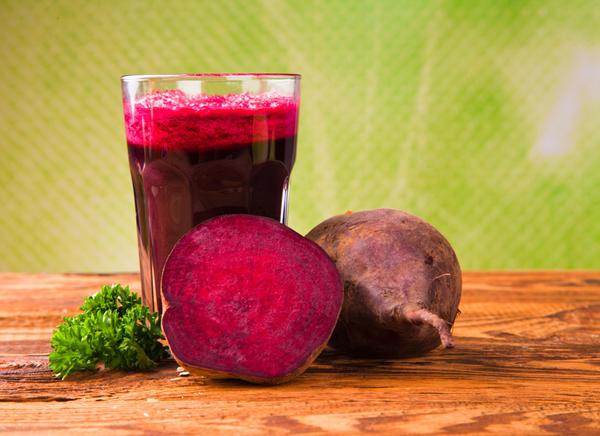 Свекольный сок — и диетический, и лечебный продукт