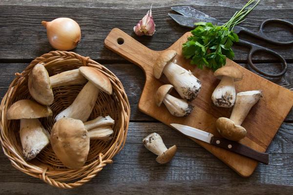 Как сохранить грибы на зиму?