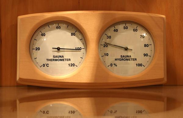 Сочетание параметров температуры и влажности в суховоздушной сауне