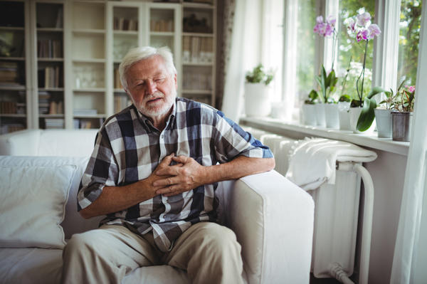 Боль в груди не обязательно вызвана сердечным заболеванием