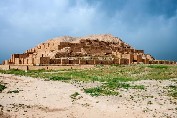 Зиккурат Чога-Занбиль на территории современного Ирана - один из немногих сохранившихся