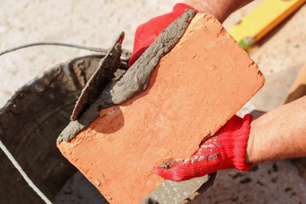 Второе воскресенье августа - День строителя