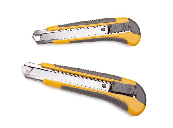 Макетный или строительный нож со сменными лезвиями пригодится