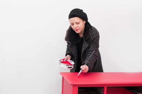 Почему бы не организовать себе увлекательное занятие - окрашивание мебели?