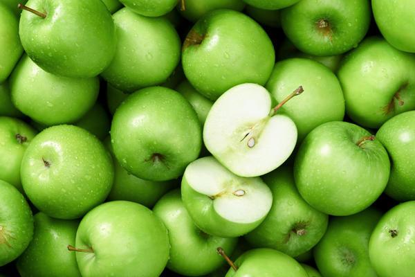 В магазинах лучше покупаются яблоки среднего размера
