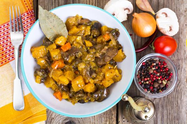 Рагу из тыквы с грибами может служить отличным постным обедом