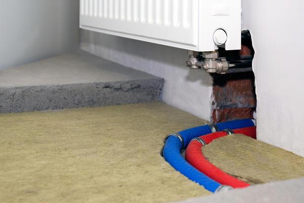 Один из способов утепления бетонного пола - под стяжку
