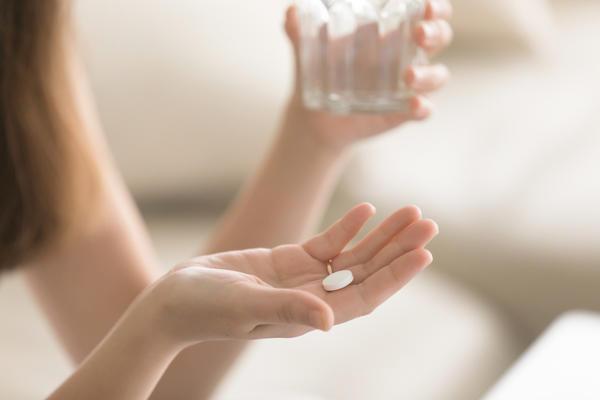 Иногда лекарство может стать причиной головной боли