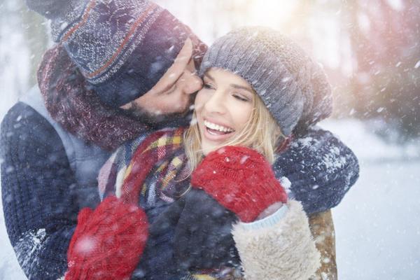 Объятия и поцелуи повышают уровень окситоцина