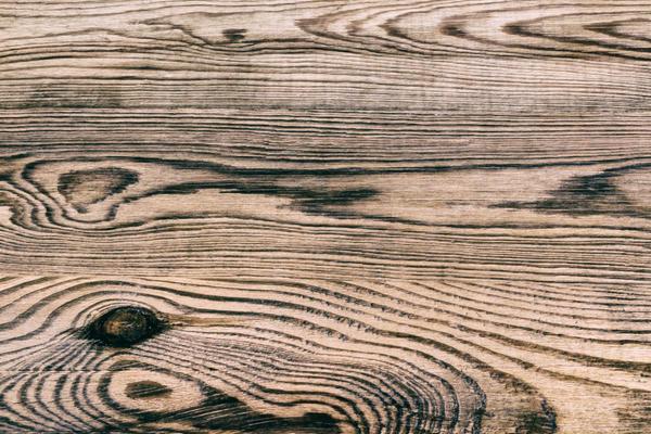 Морилка подчёркивает текстуру древесины
