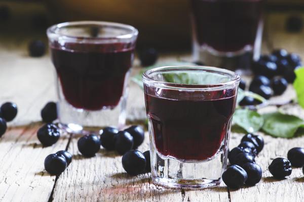 Черноплодная рябина - отличное сырье для домашнего виноделия