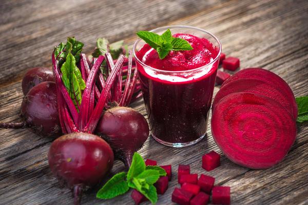 Свежевыжатый свекольный сок улучшает состав крови