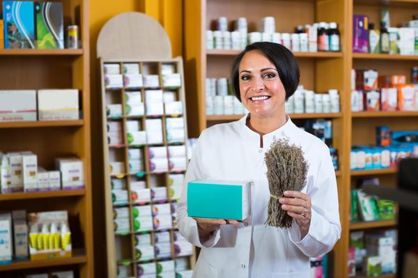 Не стоит воспринимать лекарственные травы как безусловную альтернативу таблеткам
