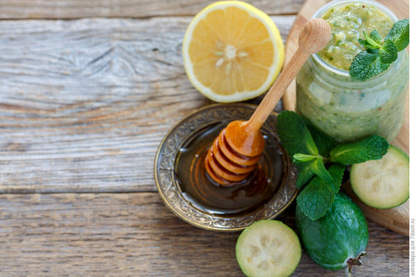 Мёд, лимон и фейхоа - витаминная бомба