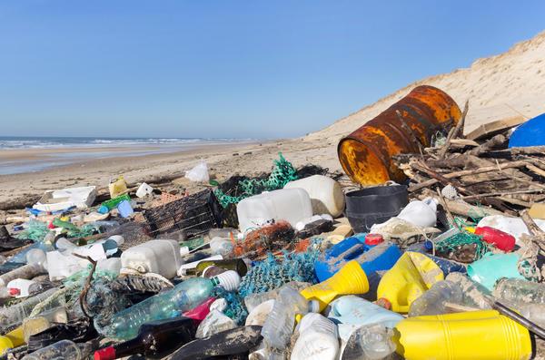 Пластик не разлагается столетиями