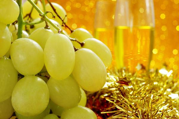 Виноград во многих странах - символ изобилия и семейного счастья