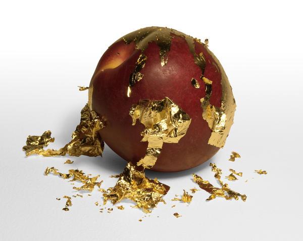 Пищевое золото - отличный декор для праздничного стола