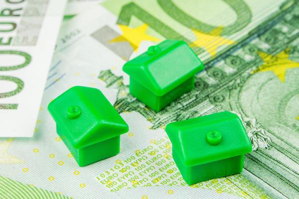 Валютный кризис 2014 года заметно снизил покупательскую активность граждан
