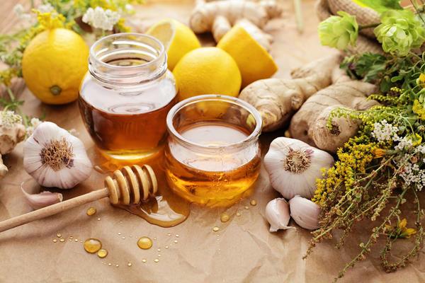 Полезные продукты - мёд, имбирь, чеснок