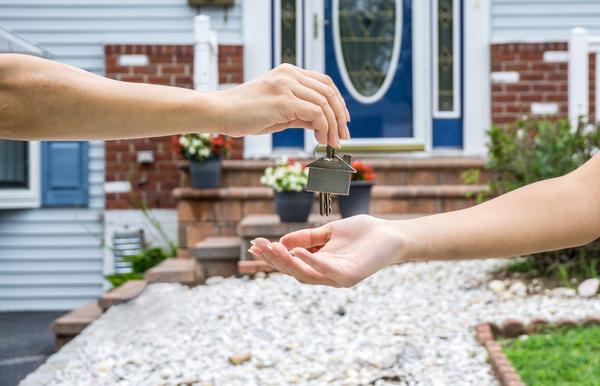 В последние десятилетия в России образовался рынок загородной недвижимости