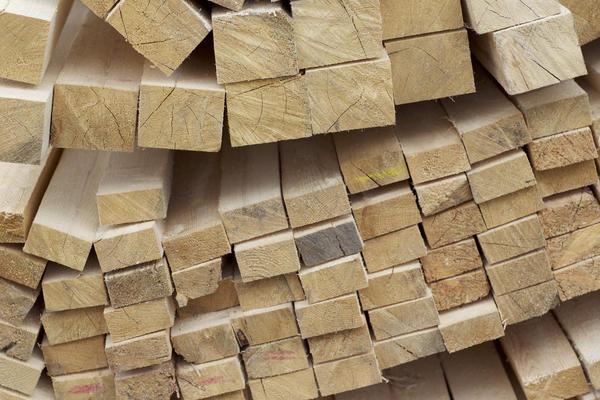 Рассчитывая стоимость отделки дома сайдингом, не забудьте о цене сопутствующих материалов