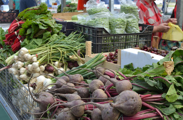 Для небольших фермерских хозяйств сельскохозяйственные рынки - единственная возможность реализовать свою продукцию