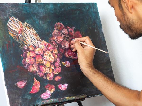 Некоторые считают овощи и фрукты хорошей моделью для создания предметов искусства