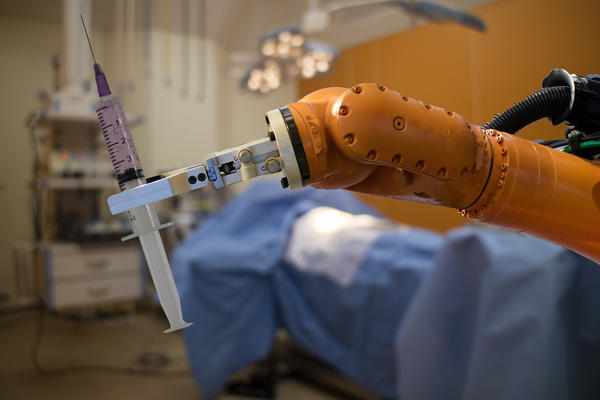 Время покажет, смогут ли роботы завоевать лидирующие позиции в хирургии