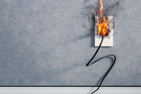 Электрические приборы и проводка - самый распространённый источник пожара