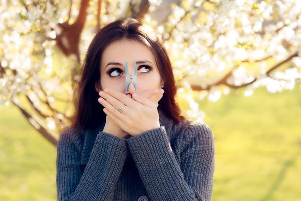 Весной и летом воздух наполнен разнообразными аллергенами