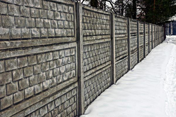 Бетонный забор из сборных секций