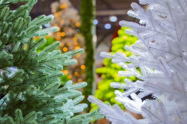 Красота искусственной елки коварна