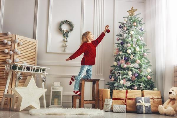 Какая елка впишется в интерьер вашего дома?