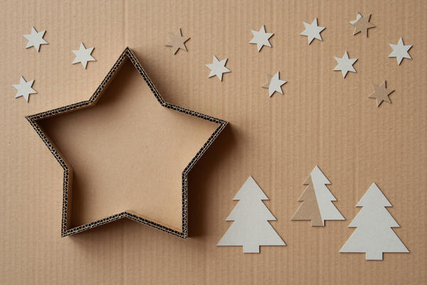 Оригинальный декор можно сделать из самых простых и доступных материалов