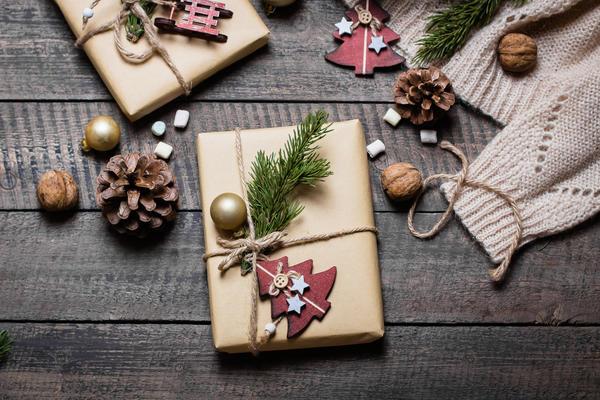 Стильная упаковка для новогоднего подарка не обязательно должна быть дорогой!