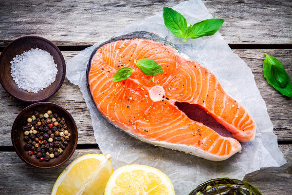 Красная рыба сухого посола с приправами и сахаром