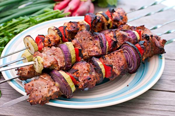 Шашлык - основное блюдо на пикнике