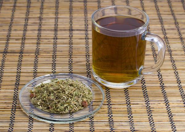 Общеукрепляющий травяной чай способствует восстановлению сил и укреплению иммунитета