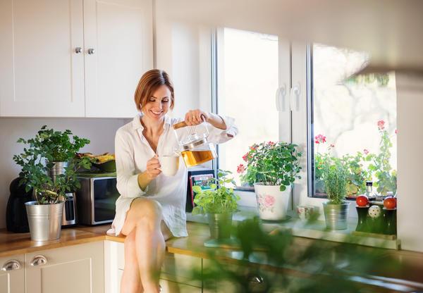 Тонизирующий травяной чай поможет взбодриться и повысить работоспособность