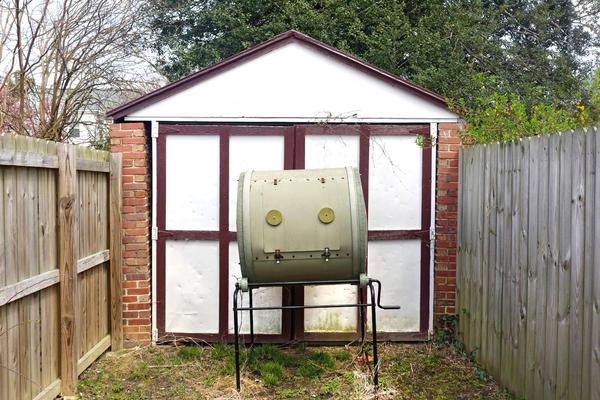 В Европе можно приобрести и готовую бочку-компостер