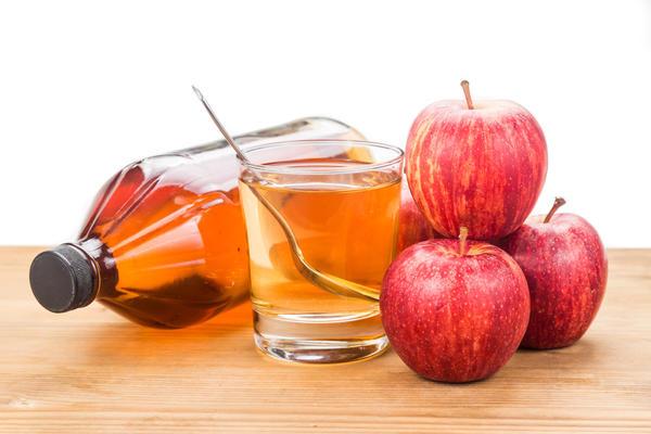 Яблочный уксус можно применять для полосканий при ангине