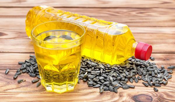 Лучшая приманка - нерафинированное растительное масло