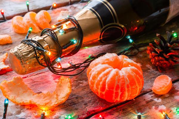 Шампанское и мандарины - приметы советского Нового года