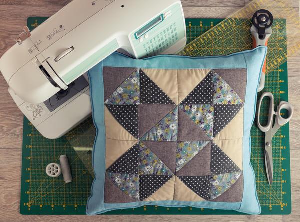 Швейная машина - безусловное подспорье в работе