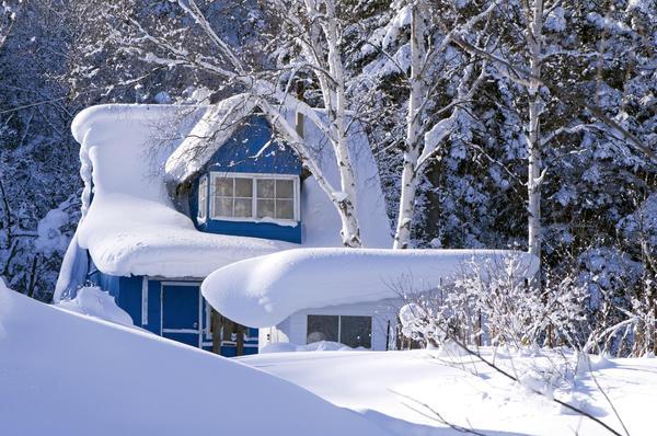 Снежные заносы радуют глаз, но надо же как-то ходить!