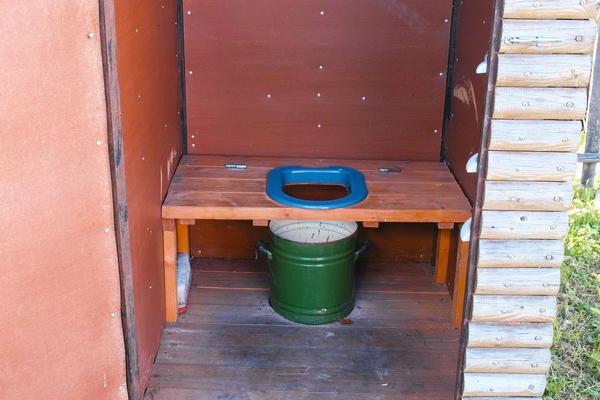 Простейший торфяной туалет